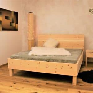 Zirbenbett oder Zirbenholzbett Holzkirchen vom Zirbenschreiner Schuster aus Sulzemoos bei München, Betten für Bad Tölz, Weilheim, Garmisch, Ulm, Landsberg